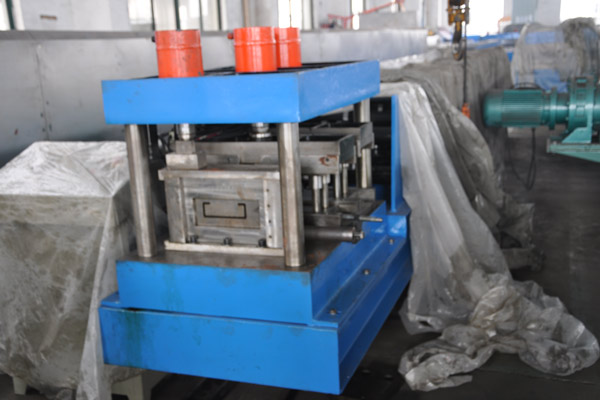 c-purlin-roll-forming-machine-1_1512100078.jpg